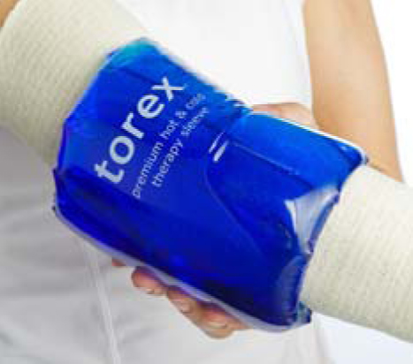 Cold pack that rolls up the arm to fully surround the joint